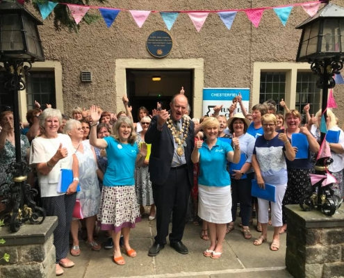 Chesterfield Tunleess Choir meeting the mayor